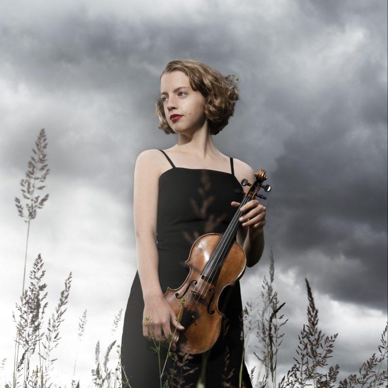 Alva Holm 02 2020 (by Julia Severinsen)